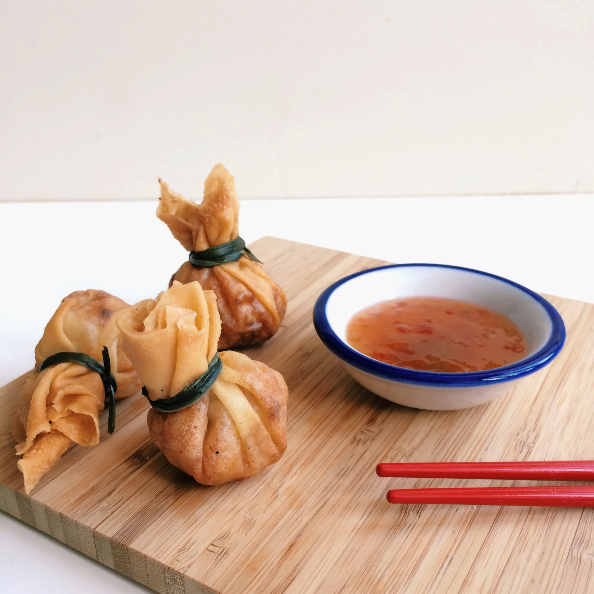 IMG 5106 - Crispy Chinese parcels: TGI Fry Day!