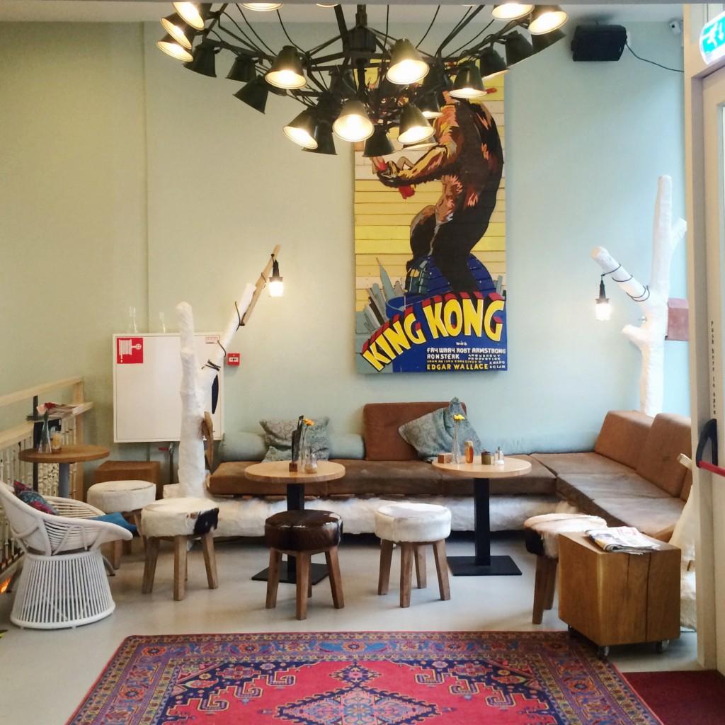 king kong hoste;