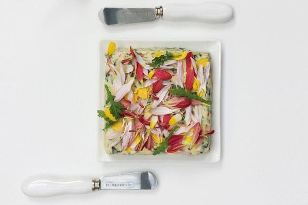 chrysantenkruidenboter - Een high tea met de Chrysant
