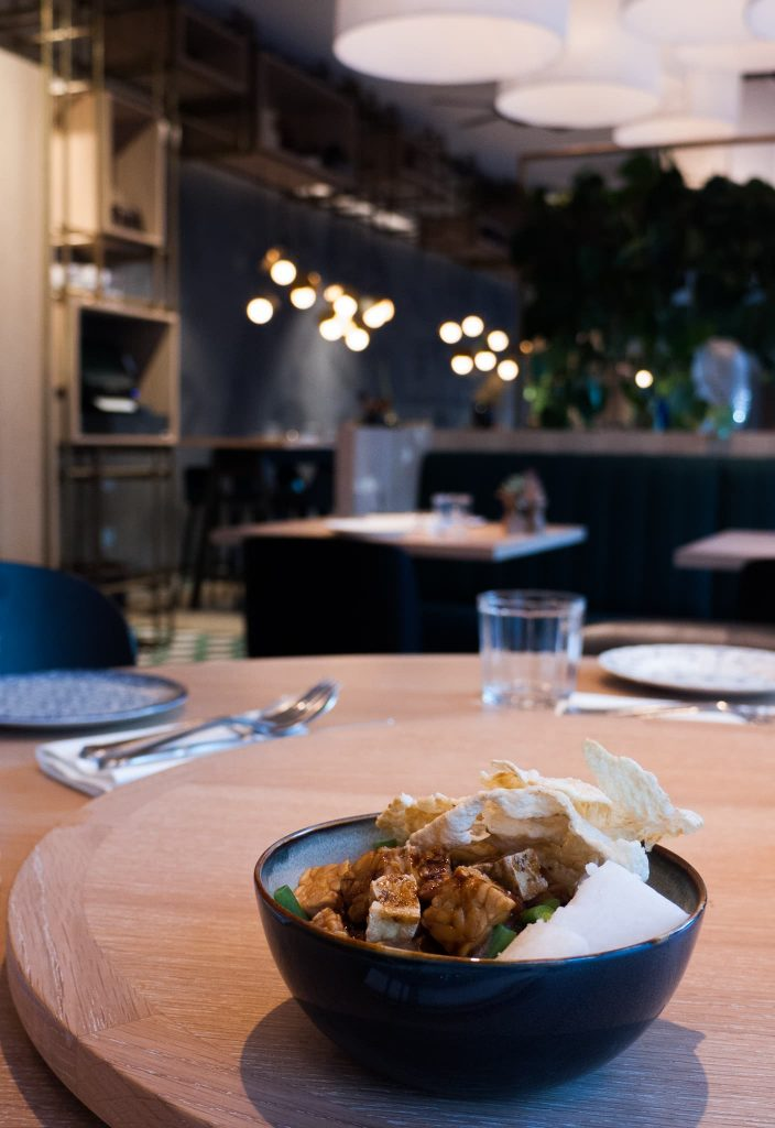 mama makan culinessa 3 704x1024 - Restaurant Mama makan – Indonesisch uit eten in Amsterdam