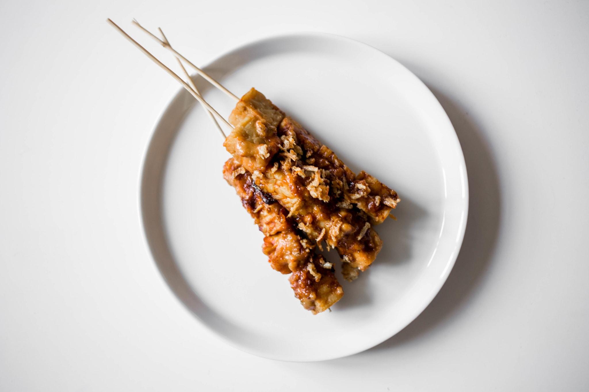 tempe sate culinessa 1 - Recept vegetarische sate van tempeh
