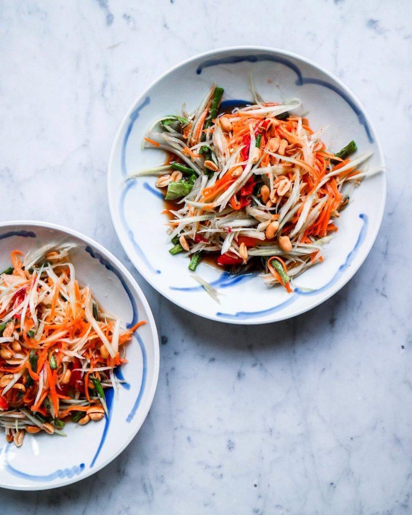 Thaise papaya salade culinessa 819x1024 - Thaise gebakken vis: Pla Sam Rod
