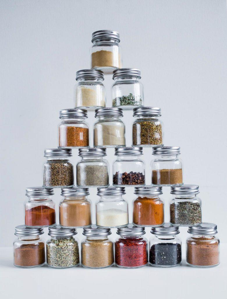 gedroogde kruiden organiseren 3 780x1024 - Bewuster leven - consuminderen