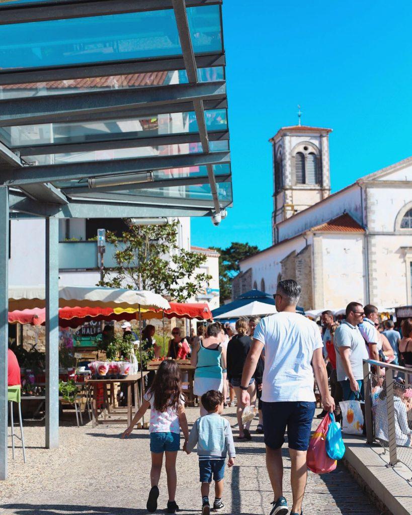 D4E48135 1DCA 4721 93D8 4AE21321E3CA 819x1024 - Culinessa Travels: Kamperen in Frankrijk met Villatent