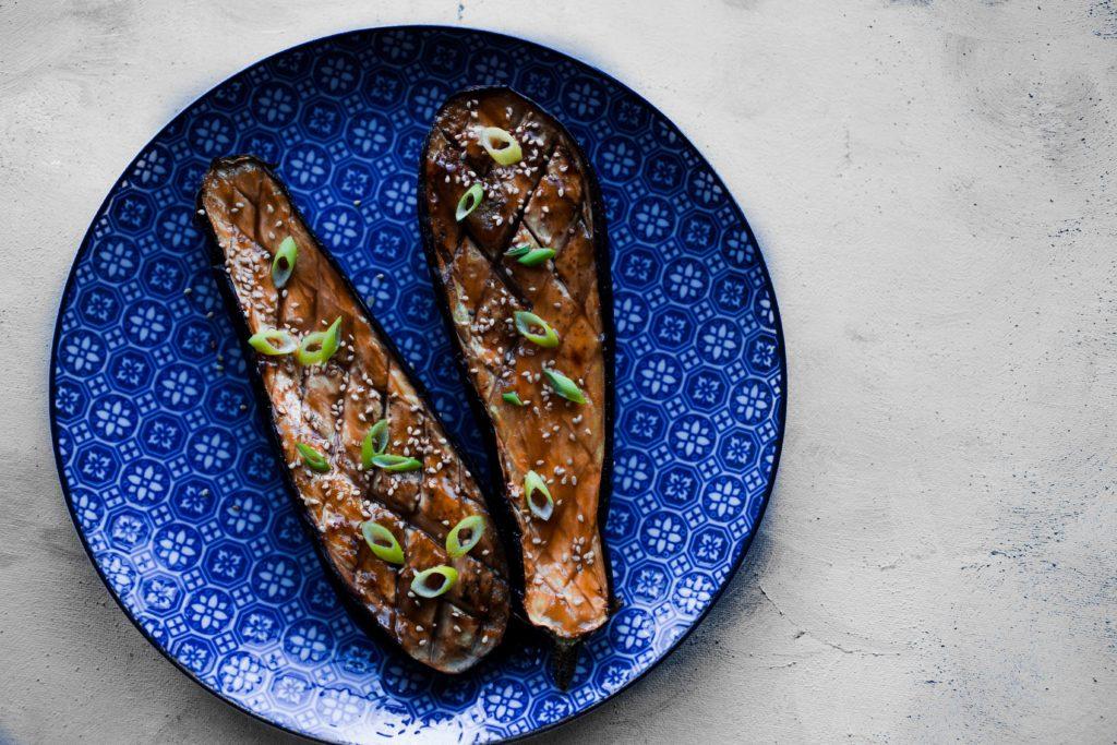 miso aubergine culinessa 1 1024x683 - Crispy sushi met zalm