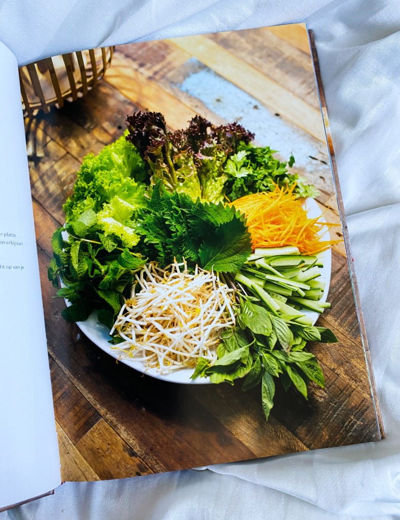 79115575 2B32 49E6 8E09 DC4C877CD155 788x1024 - Vietnamese zoete aardappelnestjes met garnalen - Banh Tom