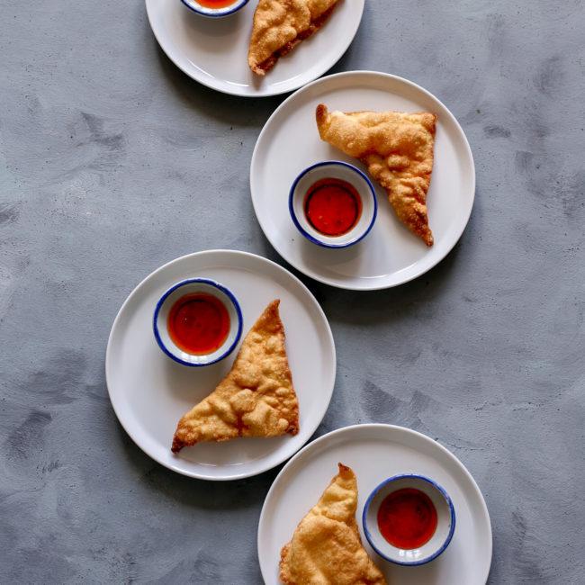 Thaise gefrituurde kip-garnalen wontons