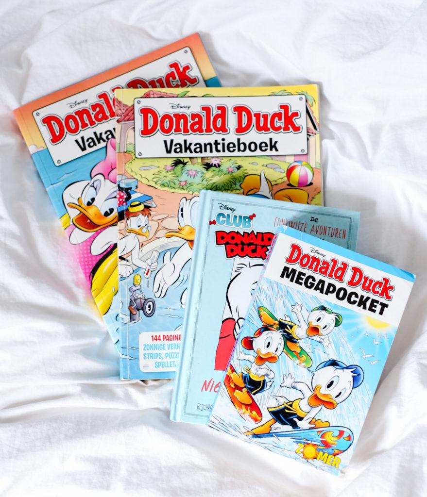 2BF76263 75CF 4C4F 9CFD FE9FA2FEA2D0 879x1024 - Tip: Donald Duck boekjes lezen het hele jaar door