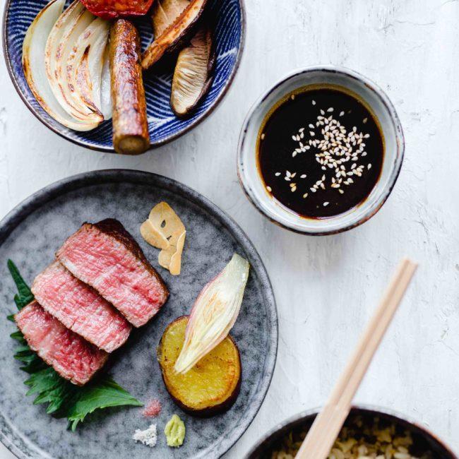 Okura at home – Wagyu beef met gegrilde Japanse groenten en gebakken rijst
