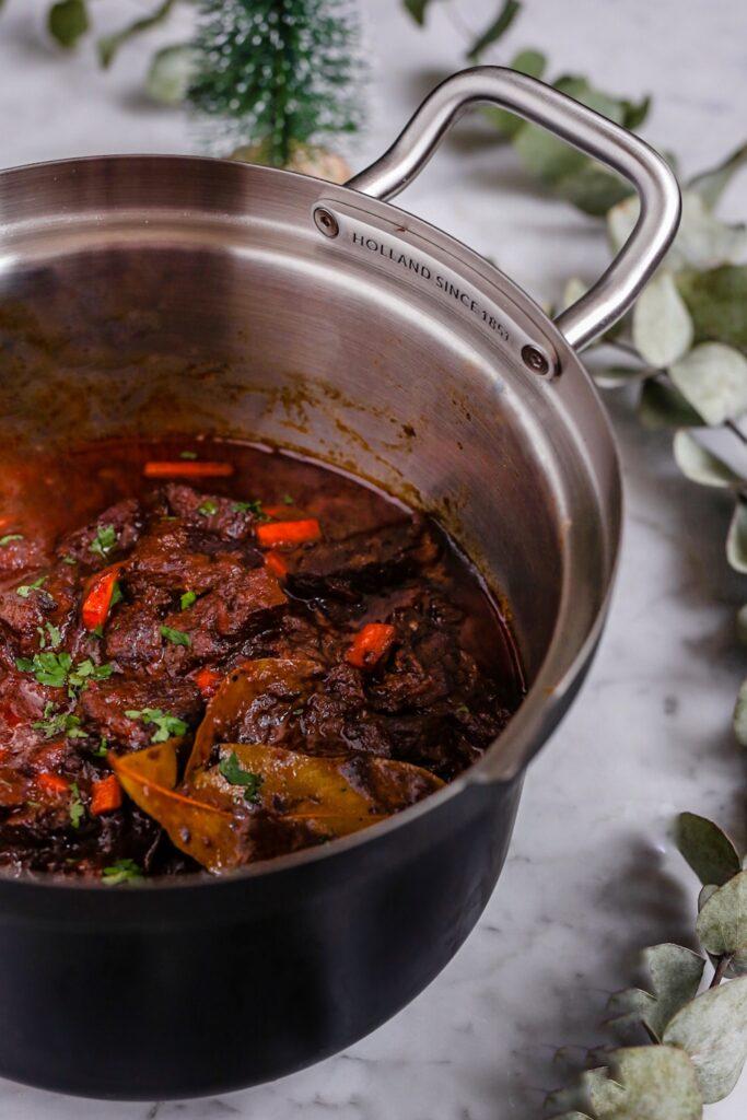 3552EB93 DE15 4A69 B802 FE26E1B1B03C 683x1024 - Stoofvlees recept met tips voor het vlees