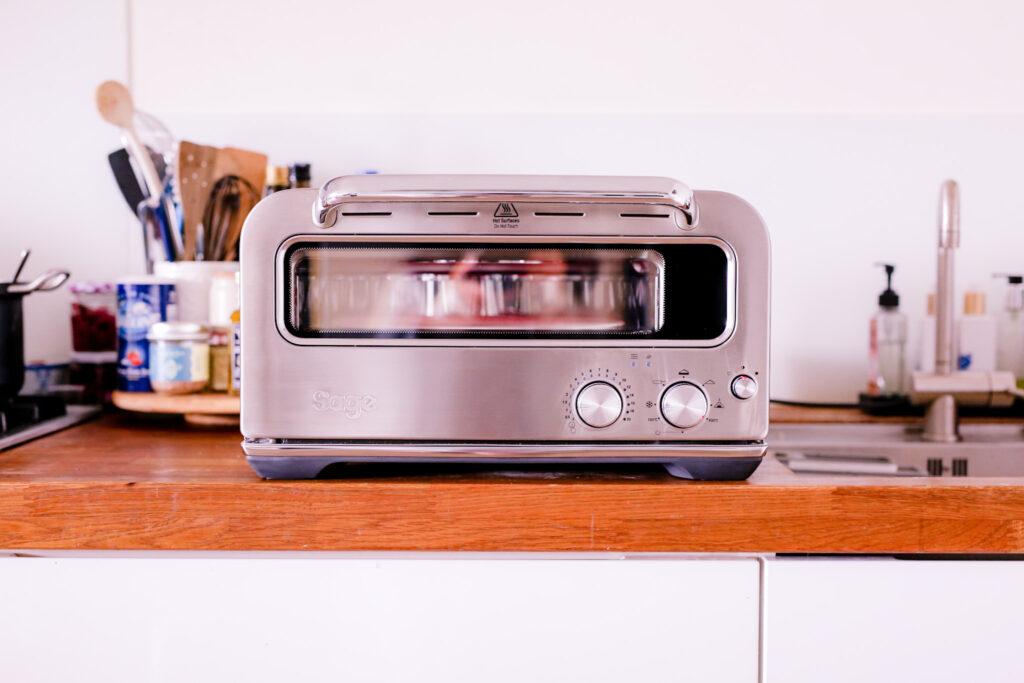 4FB72914 28EA 483A A39E 02DC78CA0506 1024x683 - De pizzaiolo van Sage appliances - thuis echte pizza's bakken