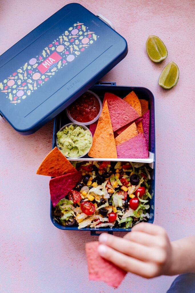DF5C2112 2149 4E08 8C2D 85A09C5709A9 683x1024 - Tex Mex salade met tortilla chips